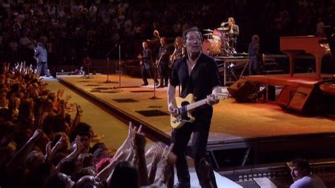Bruce Springsteen Lyrics: THUNDER ROAD [Live 27 Jun 2000