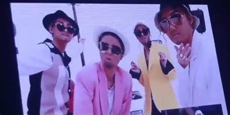 MAMAMOO did blackface at a concert and there's not much