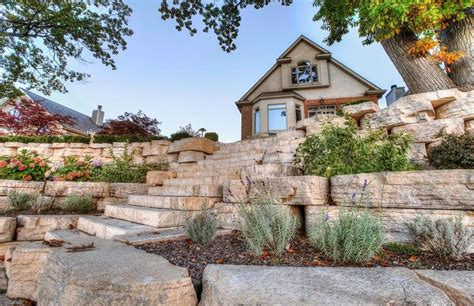 Outcropping Wall | Walls & Verticals | Pavers & Retaining