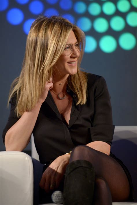 More Pics of Jennifer Aniston Button Down Shirt (8 of 16
