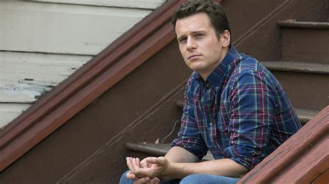 Q&A: Jonathan Groff Gets Candid About Gay Sex on TV & His