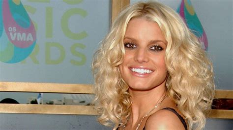Jessica Simpson shows off new daughter at Easter | BT
