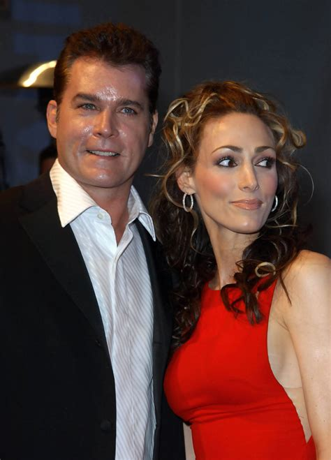 Ray Liotta and Michelle Grace Photos Photos - Zimbio